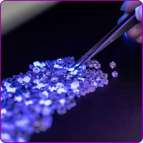 Testing a gemstone for suitability