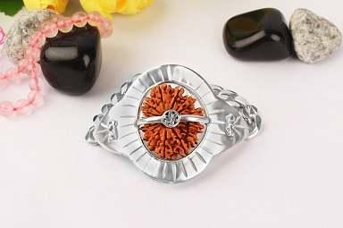 15 MUKHI from Nepal in Silver Bracelet