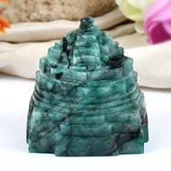Emerald Shree Yantra - 538 carats