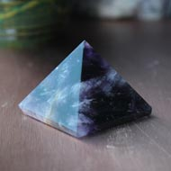 Pyramid in Natural Amethyst - 62 gms