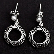 Round earrings in pure silver - Design - XIII