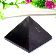 Pyramid in Shungite - 97 gms