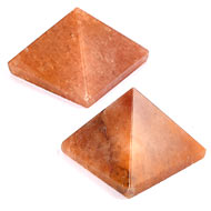 Pyramid in natural Red Jade - Set of 2 - 175 gms
