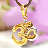 Om Locket in pure Gold - 1.4 gms