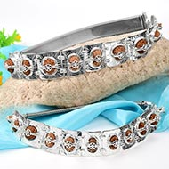Indrakshi bracelet in silver - J - Design I