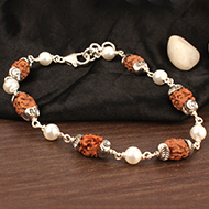 2 mukhi with Pearl bracelet in self designed caps