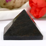 Pyramid in Grey Agate - 69 gms