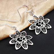 OM in Flower earrings in pure silver - Design I