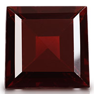 Red Garnet - 5 to 6 carats - Square