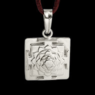 Vishnu Yantra Locket in Silver - 3D