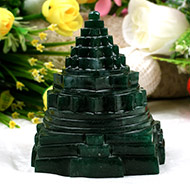 Green Jade shree Yantra - 667 gms