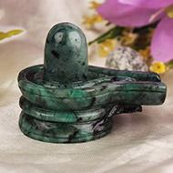 Shivlinga in Emerald - 285 carats