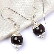 Garnet Round Earrings - 10 mm