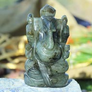 Labradorite Ganesha - 264 gms - Right Trunk