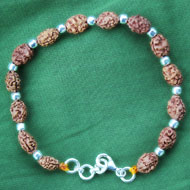 2 mukhi moon bracelet in Silver balls