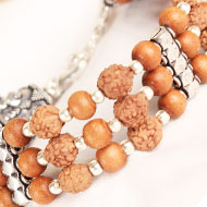 4 mukhi Java Triple turn Bracelet with Sandalwood beads