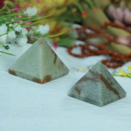 Pyramid in Natural - Cats Eye - Set of 2