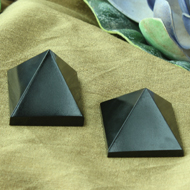 Pyramid in Natural (Black Jade) - Set of 2