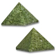 Pyramid in natural Green Jade - Set of 2