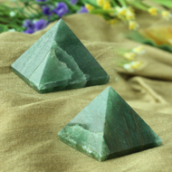 Pyramid in Green Jade - Set of 2