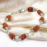 2 Mukhi Java Bracelet in self designed silver caps
