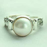 Pearl Ring in pure silver