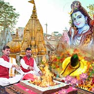 Puja at Kashi Vishwanath