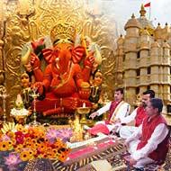 Puja at SiddhiVinayak Temple Mumbai
