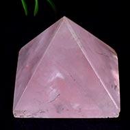 Pyramid in natural Rose Quartz - 15 gms
