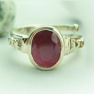 Ruby Ring in pure silver