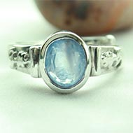 Blue Sapphire Ring in pure silver
