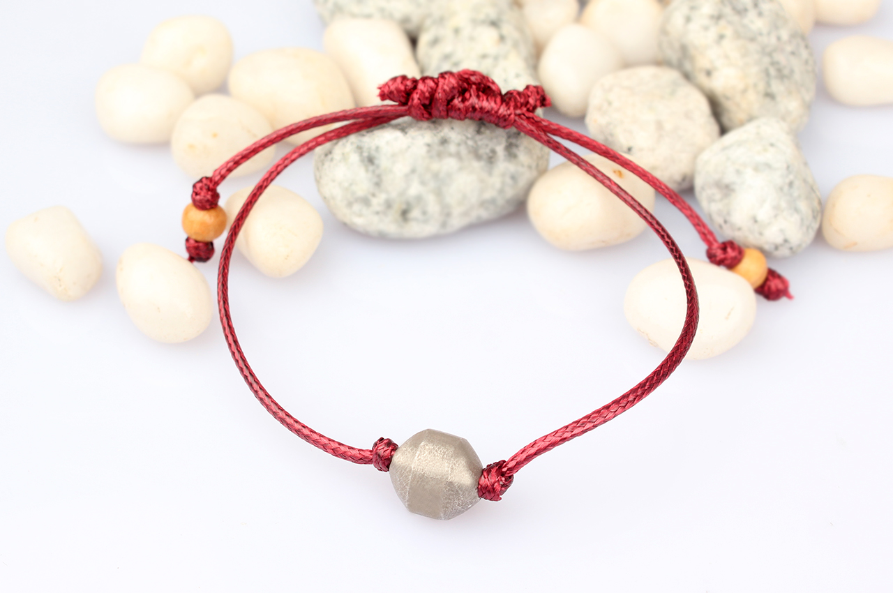 Parad Bracelet in thread