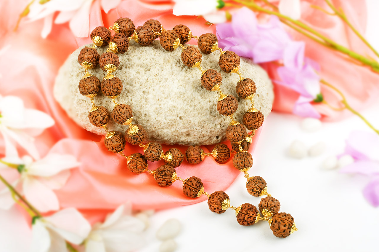 5 Mukhi Nepal Rudraksha Beads Mala in pure Gold capping
