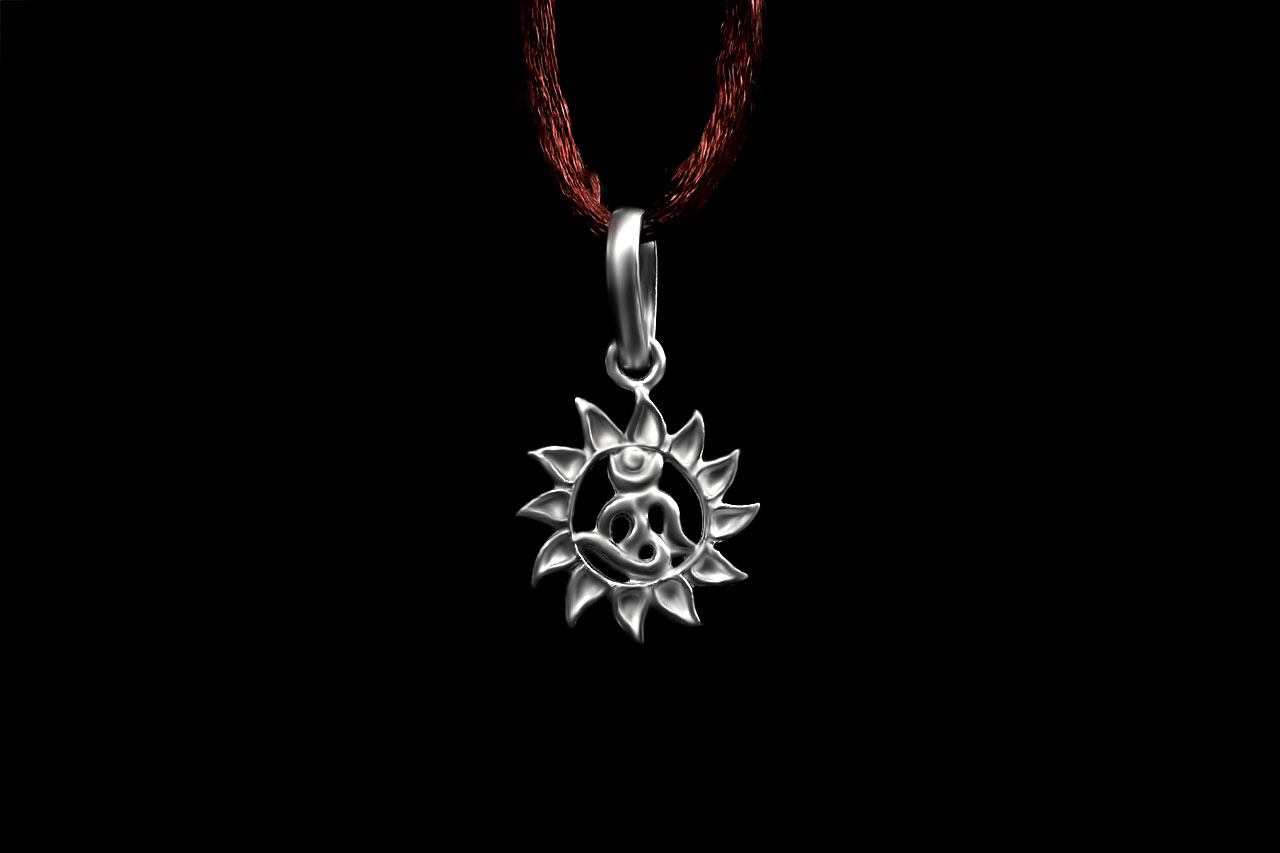 Om Locket in Pure Silver - Design VI