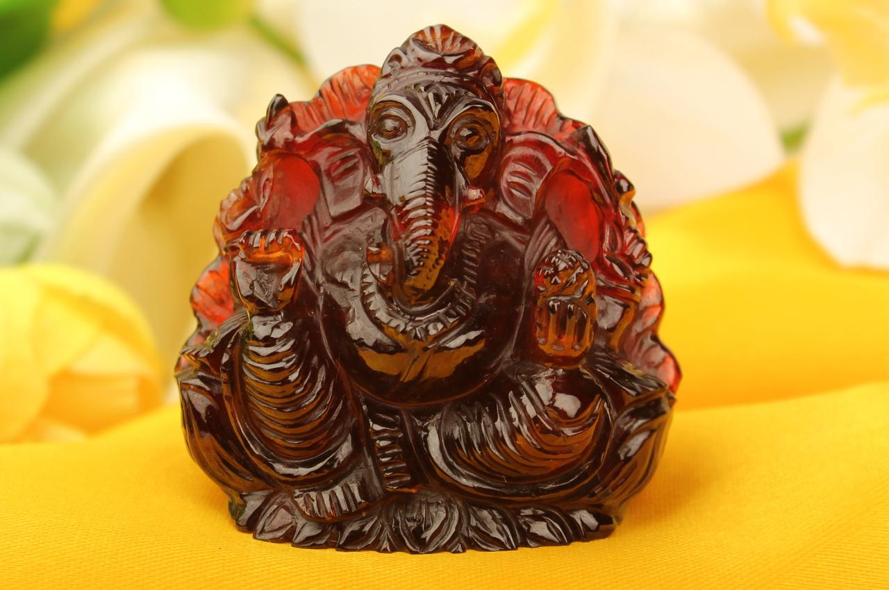 Gomedh Ganesha - 424 carats - Right Trunk