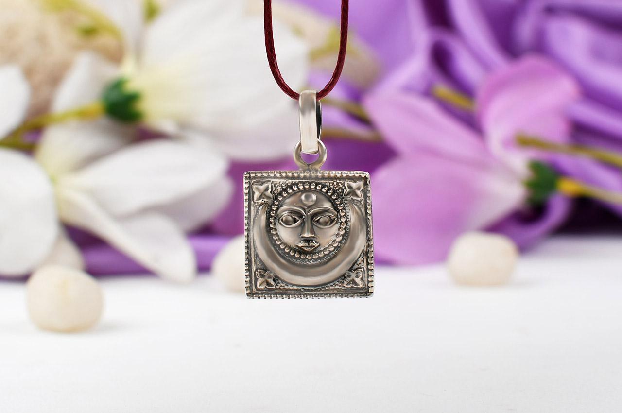 Surya Locket in pure silver - Design V
