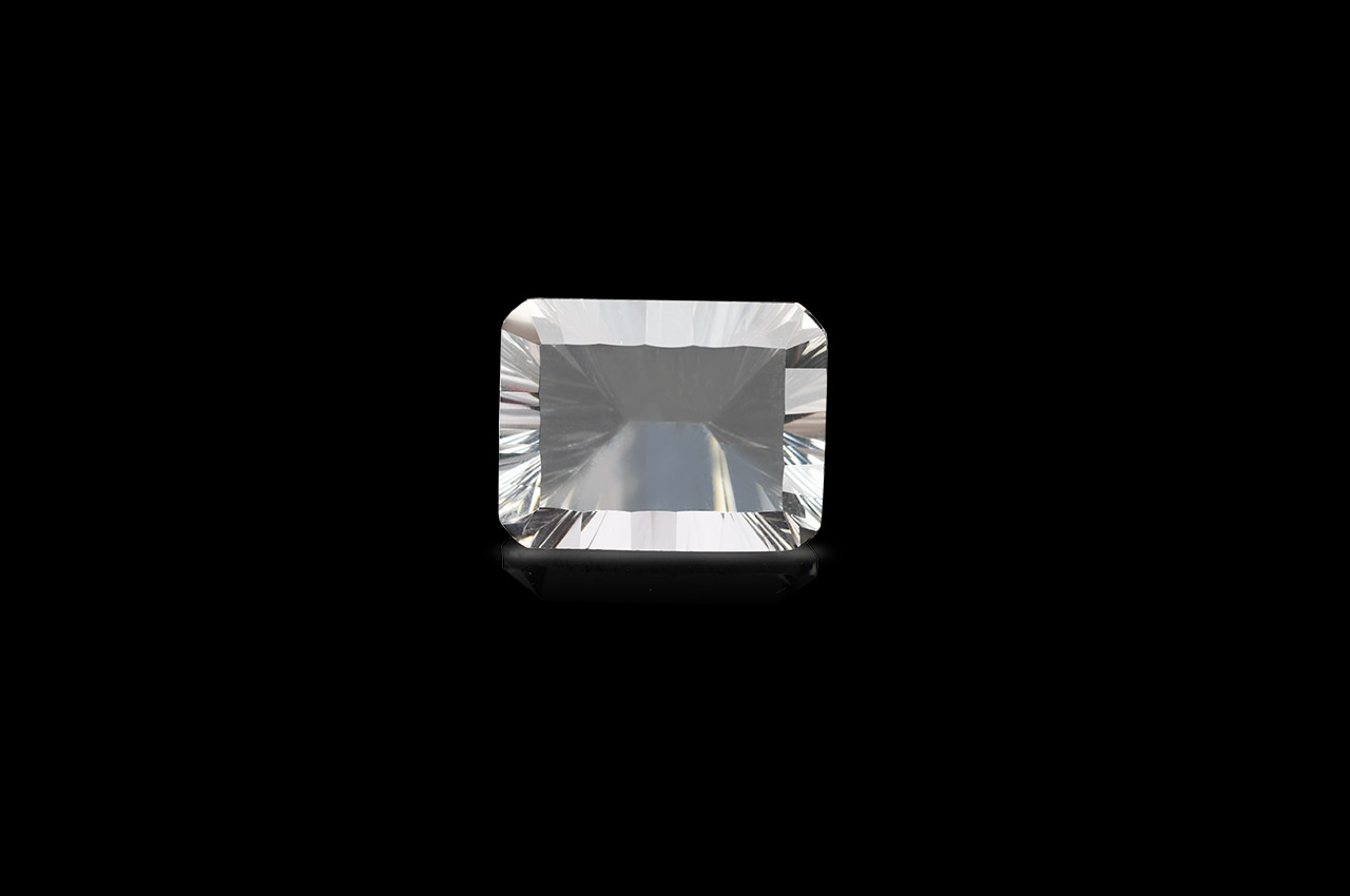 White Topaz Superfine cutting - 10.90 carats