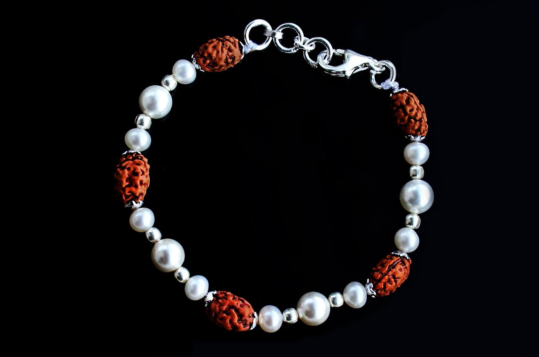 Moon bracelet - J
