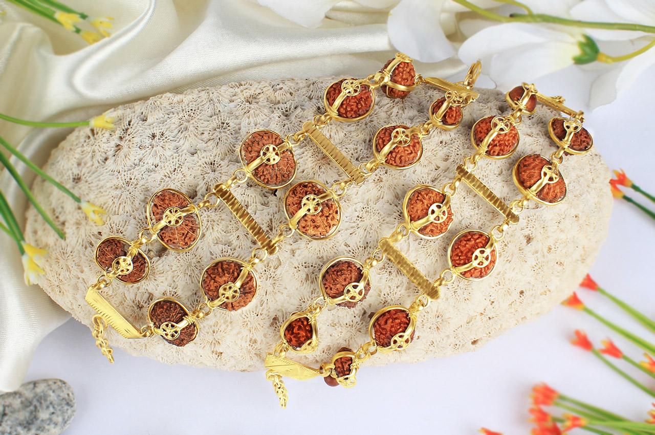Supreme  Sarva siddha - J