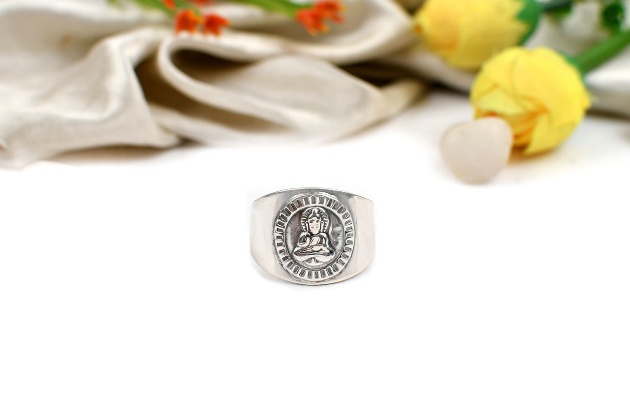 Buddha Ring in Pure Silver