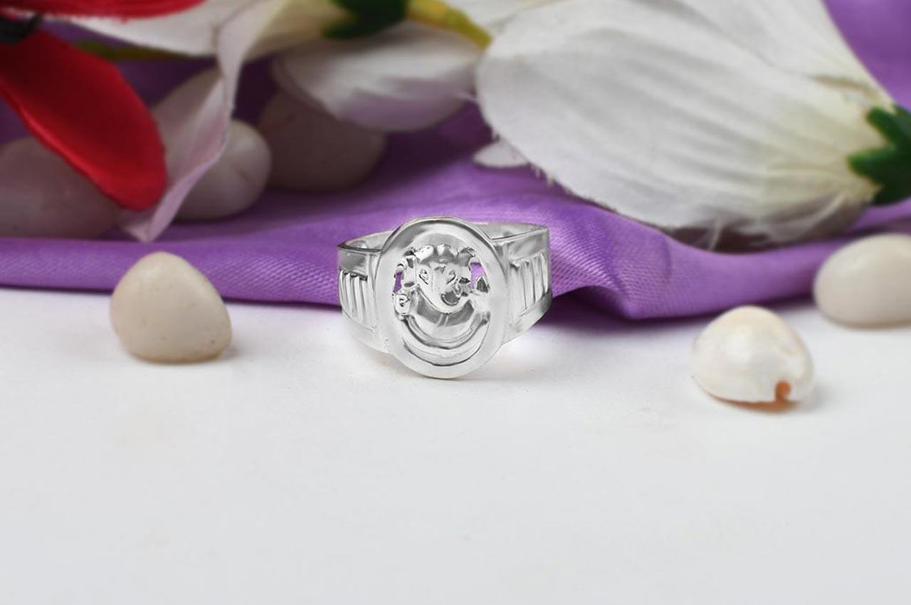 Ganesha Ring in Pure Silver - Design III