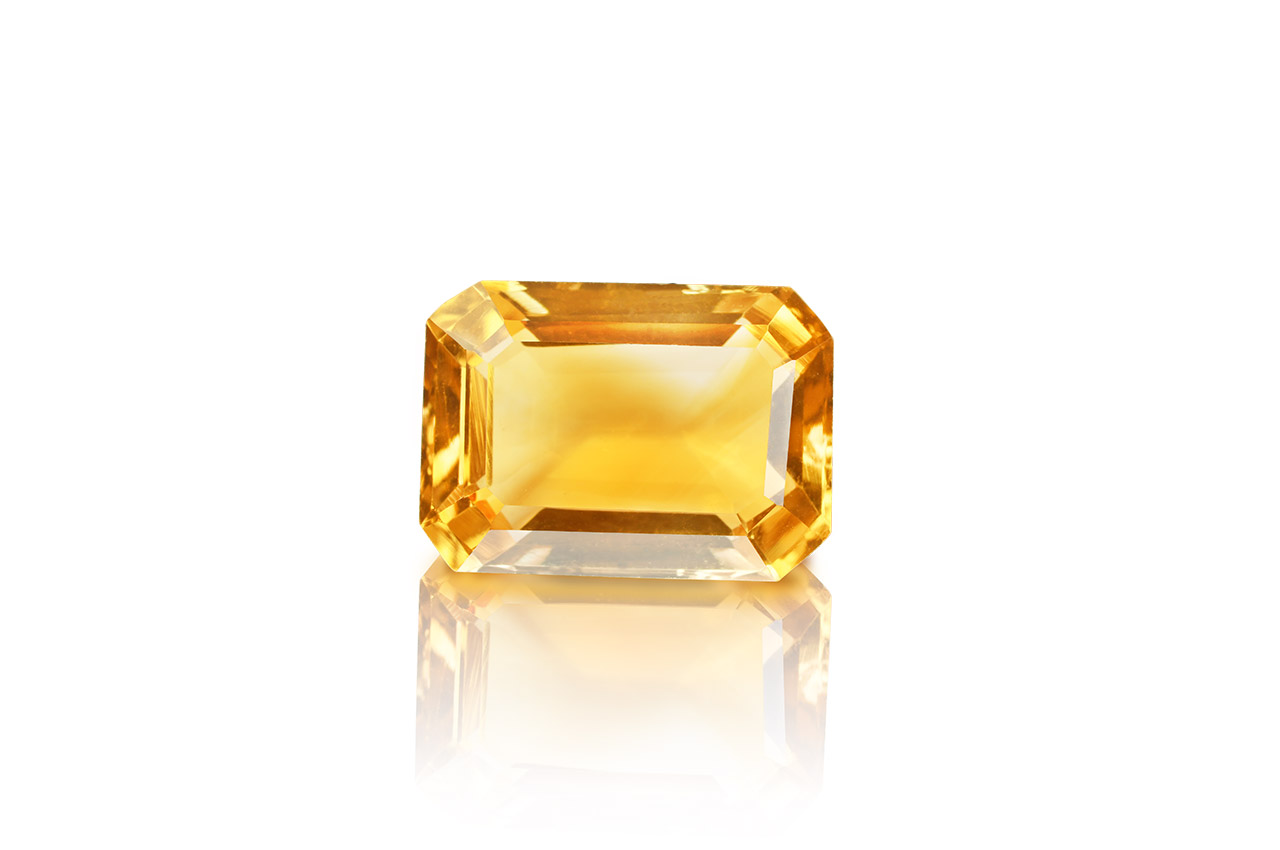 Yellow Citrine - 7.45 carats - Emerald