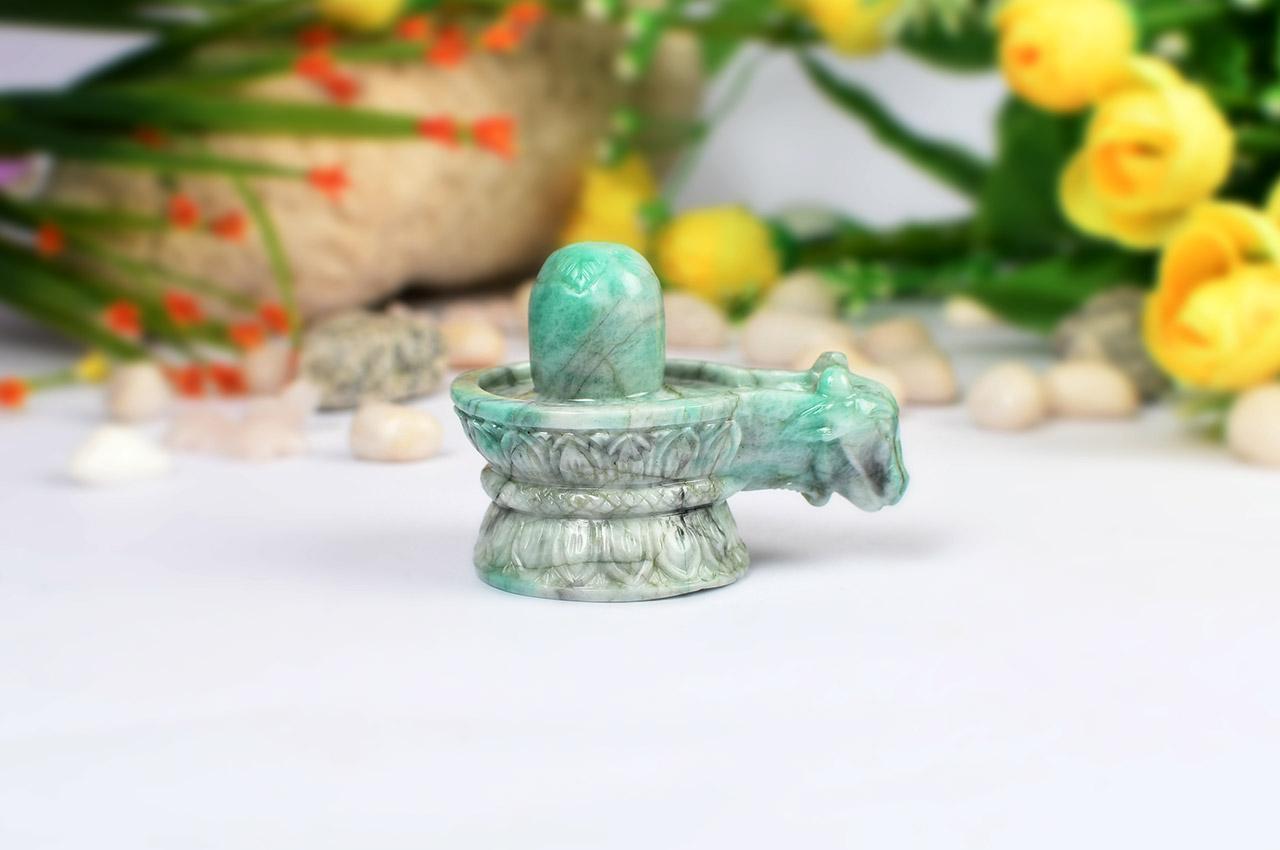 Shivlinga in Emerald - 444 carats