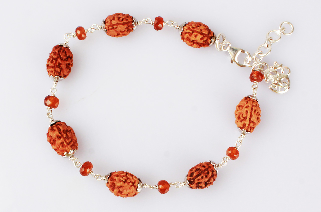 3 Mukhi with Gomed bracelet in silver caps