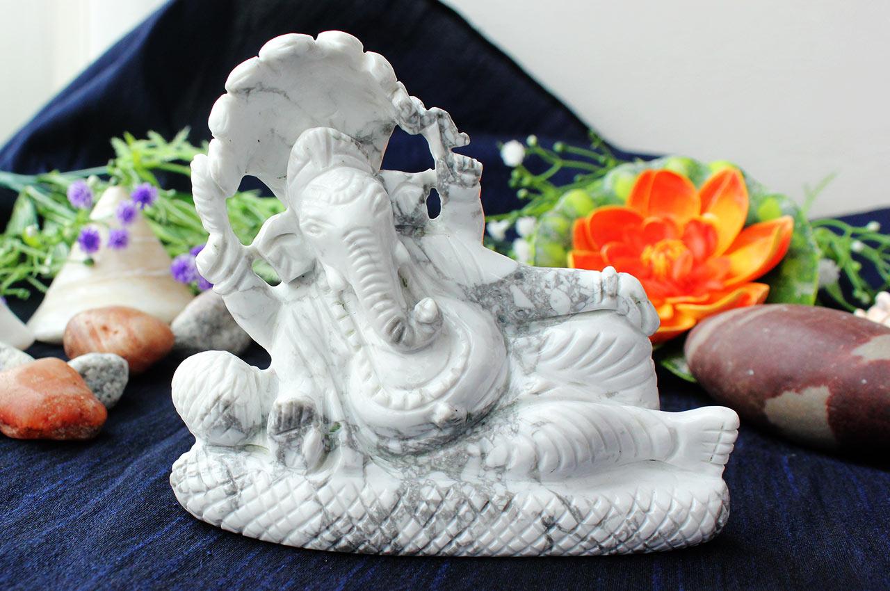 Howlite Ganesha with Sheshnag - 486 gms