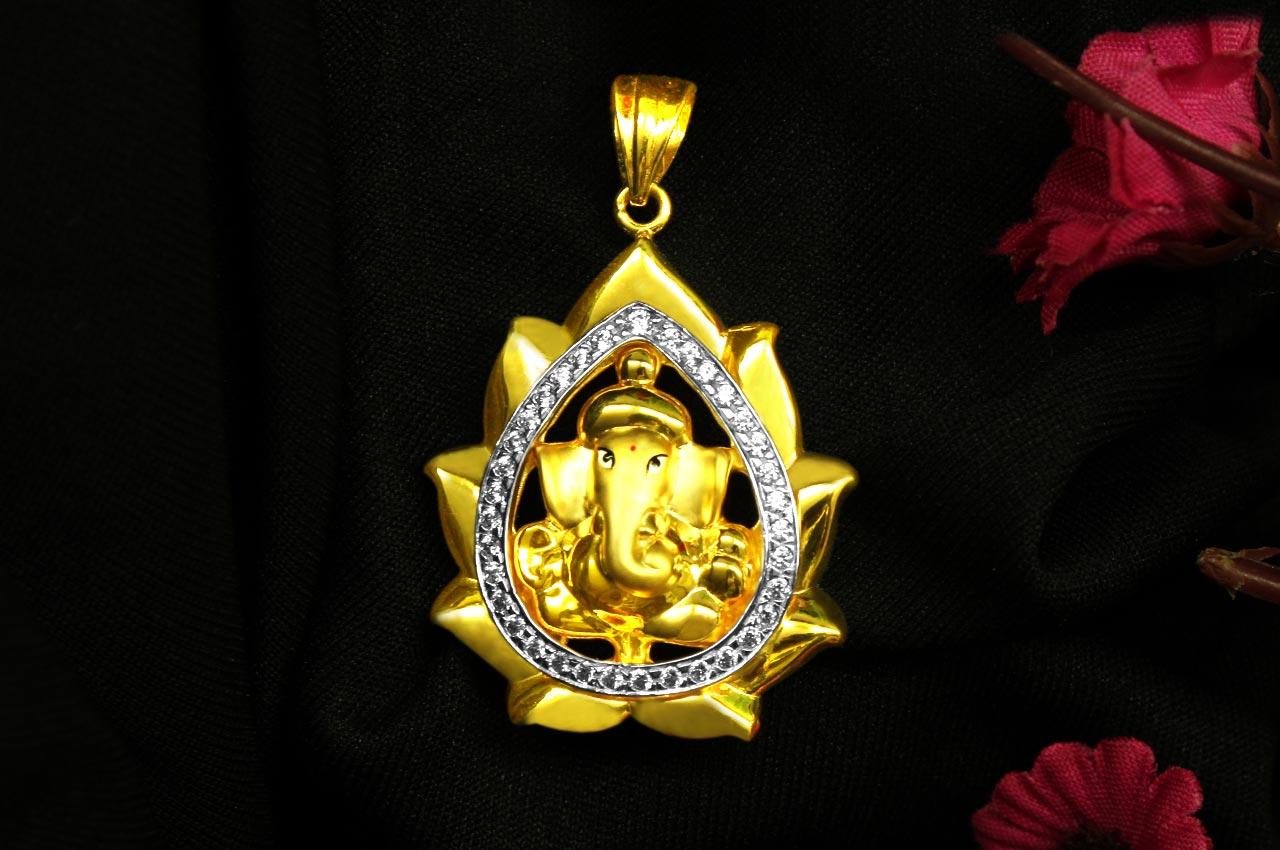 Ganesh pendant in gold design cii rudraksha ratna ganesh pendant in gold design cii aloadofball Image collections