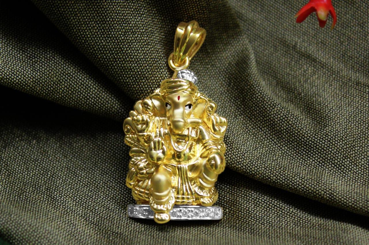 Ganesh pendant in gold design cv rudraksha ratna ganesh pendant in gold design cv aloadofball Image collections