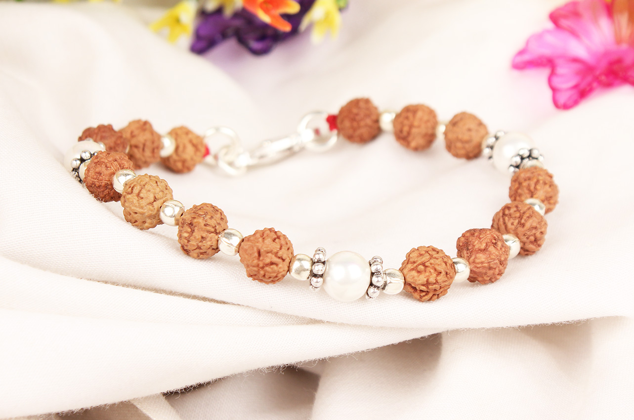 6 mukhi Java Bracelet with Pearl