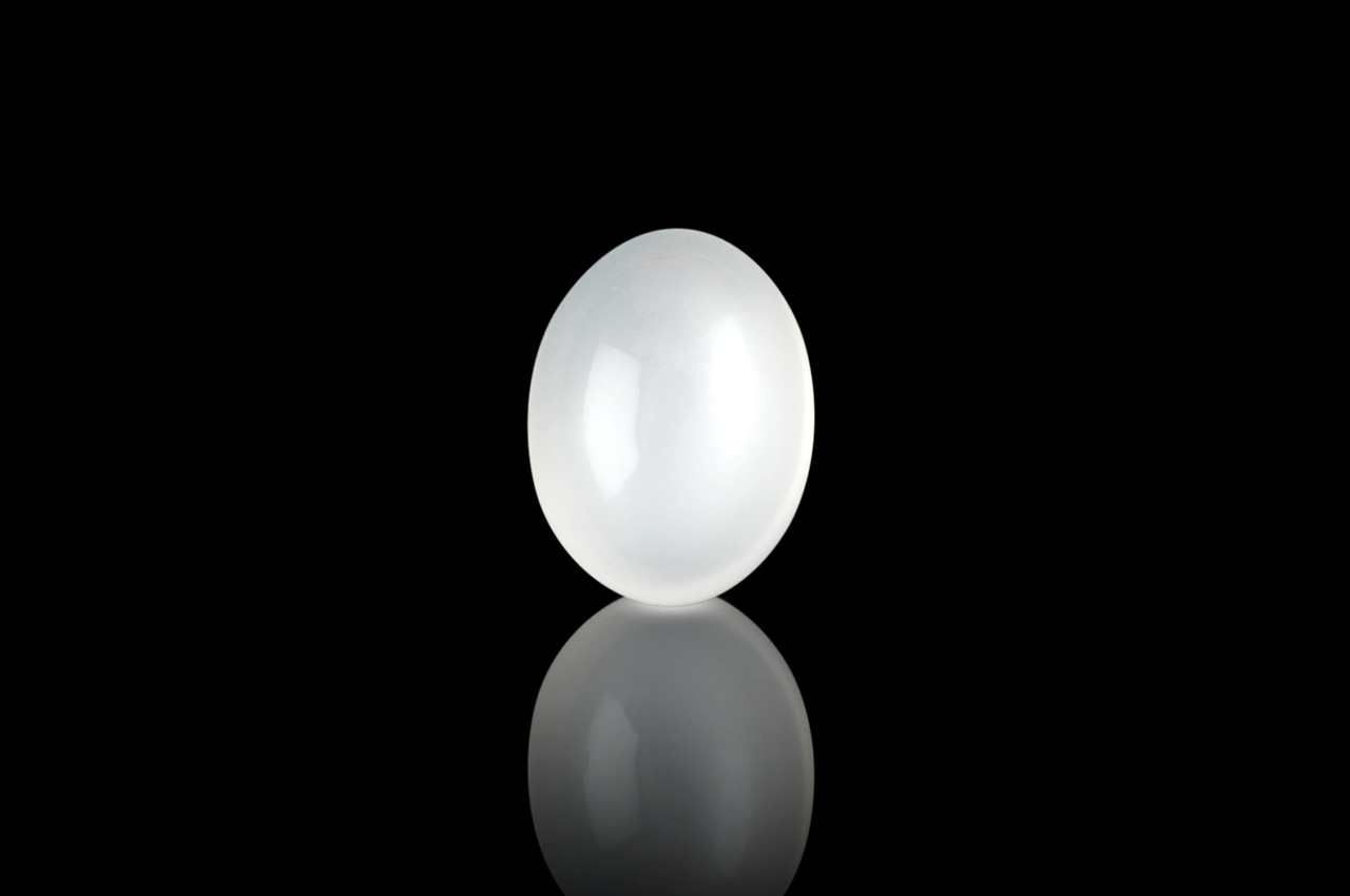Moon Stone - 7.10 Carats