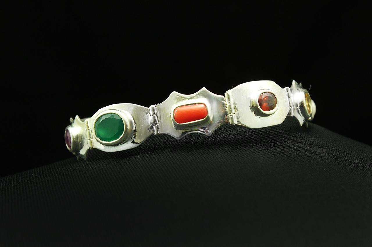Navratna Flat Chain Bracelet